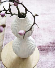 jonathan adler vase // photo by heidi lerkenfedt