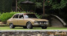 Restorasi Peugeot 504 GL 1980 : Gabungkan Unsur Originalitas Dengan Custom #info #classic #BosMobil Peugeot, Retro Cars, Vintage Cars, Old School Cars, Pedal Cars, Old Cars, Motor Car, Cars And Motorcycles, Automobile