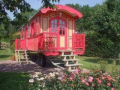 Roulottes de charme à Mauquenchy Location de vacances à partir de Mauquenchy @homeaway! #vacation #rental #travel #homeaway