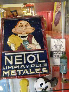 Uno de los pocos y buscadísimos carteles de Netol
