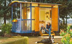 Die Bauanleitung zeigt den Bau dieses Gartenhauses in Form eines Schäferwagens. Wer meint, eine Gartenlaube müsste immer nach Schwarzwald aussehen, irrt
