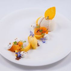Pineapple and Mandarin Gourmet Food Plating, Michelin Star Food, Types Of Desserts, Beautiful Desserts, Dessert Decoration, Culinary Arts, Plated Desserts, Food Design, Creative Food