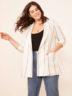 Did you hear? Another contemporary brand has stepped into the plus size fashion space! We've got our favorite looks from Reformation!  You know I can't resist a good blazer! This one is perfect for spring/summer.   https://thecurvyfashionista.com/2018/03/27/reformation-plus-size/