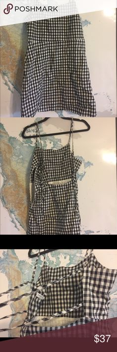 Gingham Dress Classic gingham dress seen everywhere, very popular. Never worn, didn't fit me but still true to size. Zipper along side, double ties in the back. Semi tight fit. New Without Tags Forever 21 Dresses Mini