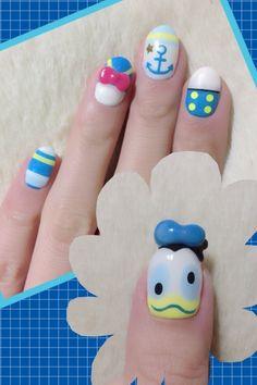 Disney Donald Duck Nail Art