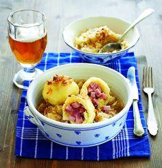 Bramborové knedlíky plněné uzeným masem Foto: archiv Gurmet Dumplings, Potato Salad, Food And Drink, Pizza, Potatoes, Bread, Dishes, Nebo, Ethnic Recipes