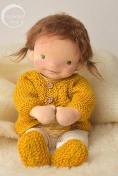 Baby Dolls For Kids, Homemade Dolls, Waldorf Toys, Sewing Dolls, Doll Maker, Doll Head, Knitted Dolls, Soft Dolls, Fabric Dolls
