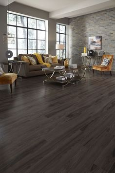 Whether your style is traditional or contemporary, Sleepy Creek Mountain Oak is the perfect flooring for your décor theme. The delicate light brown and creamy gray color with an incredibly authentic wood look is beautifully revealed against fine, oak graining. Install it anywhere you want to add style and sophistication.