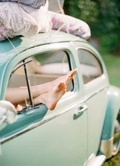 http://tenenpraat.nl/ Bij Tenenpraat wordt pas écht naar jouw tenen geluisterd! Door het lezen van tenen kan volledig in beeld worden gebracht hoe iemand is qua gedrag, karakter, levenshouding en persoonlijkheid. Mint, Pink, Retro car