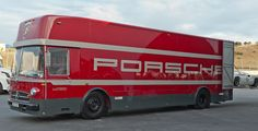 Mercedes O 317 - Porsche Transporter How cool would this be for a motorhome Mercedes Truck, Mercedes Benz Amg, Road Race Car, Race Cars, Road Racing, Vintage Sports Cars, Vintage Racing, Big Trucks, Pickup Trucks