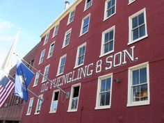 Did you know that PA is home to the oldest brewery in the U.S.? Take the #Yuengling Brewery tour to learn how the brewery survived Prohibition, and in the early years beer was distributed from horse-drawn wagons.