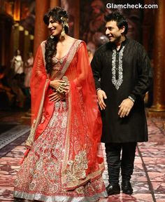 Chitrangada Singh Suneet Varma at India Bridal Fashion Week 2013