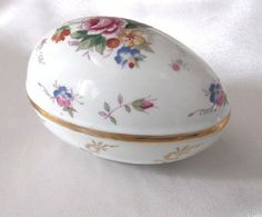 Vintage Porcelain Egg Trinket Box Floral by #LovesVintageDelights, $9.99 #jetteam #jewelryonetsy