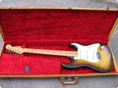 Fender Stratocaster 1957 Vintage Guitar Sunburst