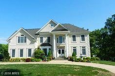 7400 WALTON LANE, ANNANDALE, VA 22003 Bedrooms: 6  Bathrooms: 4 full   1 partial