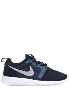 Nike ROSHERUN HYP SNEAKERS on Wantering | Sneaks and Kicks | mens sneakers #mensshoes #menswear #mensstyle #mensfahsion #gif #fashiongifs #nike #wantering http://www.wantering.com/mens-clothing-item/rosherun-hyp-sneakers/ahyjz/