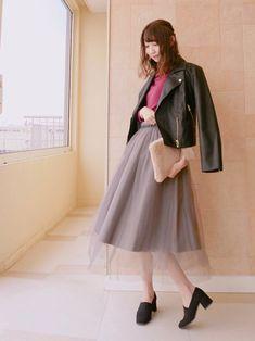 フレア感のあるチュールスカート スモーキーなカラーがとってもかわいいです(^-^) チュ
