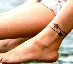 Suzi Tattoo Tatouage cheville chat - 20 idées de tatouages pour habiller nos chevilles - El., Tatouage cheville chat - 20 idées de tatouages pour habiller nos chevilles - El. Tatouage cheville chat - 20 idées de tatouages pour habiller nos ch. Mini Tattoos, Trendy Tattoos, Body Art Tattoos, Small Tattoos, Foot Tatoos, Armband Tattoos, Arrow Tattoos, Arrow Tattoo Placements, Arrow Tattoo Arm