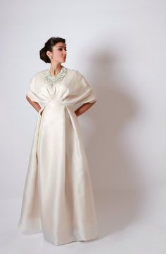 New Elegant Middle East Beading Evening Dresses WIth Crew Neck Half Sleeve Taffeta Floor Length Charming Hot Sale Prom Gown Islamic Fashion, Muslim Fashion, Modest Fashion, Fashion Dresses, Muslim Dress, Outfit Trends, Abaya Fashion, Gothic Fashion, Mode Hijab