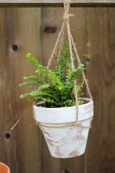 Easy hanging terracotta pot