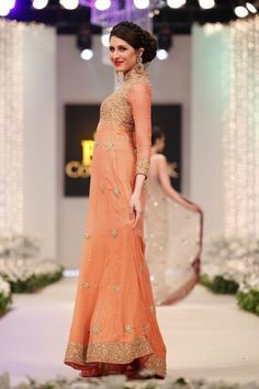 http://www.carenstyle.com/wp-content/uploads/2012/01/Bridal-Dresses-Latest-Trends-In-Bridal-Wear-2012d.jpg