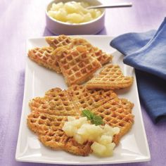 Aardappelwafeltjes met appelmoes #telvrij #WeightWatchers #WWrecept Cookie Recipes, Snack Recipes, Healthy Recipes, Snacks, Healthy Food, Weith Watchers, Healthy Diners, Cookie Cake Pie, Feel Good Food