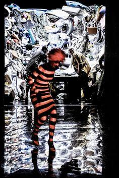Sklaven Einakter von Georges Courteline  Regie Andreas Kriegenburg Bühne Andreas Kriegenburg Kostüme Andrea Schraad Deutsches Theater Berlin