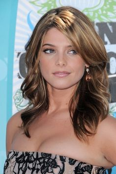 A great look from Ashley Greene. You could achieve her simple makeup with our taupe essentials eye trio and lotus flower lipglaze!