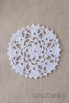 Crochet lace motif nr 2 by Anabelia