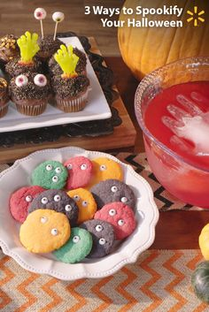 Scare up some yummy Halloween fun! Make your Halloween party scarily memorable with these fearfully easy treat ideas: Add a zombie hand to a standard cupcake and take it from tasty to frightfully delici Halloween Supplies, Halloween Goodies, Halloween Desserts, Holidays Halloween, Halloween Costumes For Kids, Halloween Treats, Happy Halloween, Halloween Party, Holiday Treats