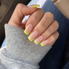 Want some ideas for wedding nail polish designs? This article is a collection of our favorite nail polish designs for your special day. Square Acrylic Nails, Summer Acrylic Nails, Best Acrylic Nails, Acrylic Nail Designs, Acrylic Nails Yellow, Neon Nail Designs, Orange Nail Art, Summer Nail Polish, French Nail Designs