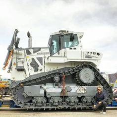 Liebherr 776 on the wagon
