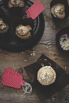 5 Dicembre - #Calendario dell'#Avvento La #pausacaffè la offro io, #cupcake al #cappuccino per tutti! - New #recipe on #OPSD blog: Cappuccino cupcake - #AdventCalendar - #Christmas