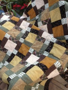A Manly Quilt for your Man by MyStitchesJustSew on Etsy
