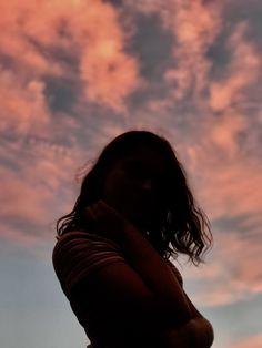 Portrait Photography Poses, Grunge Photography, Photography Poses Women, Girl Photography Poses, Tumblr Photography, Creative Photography, Profile Pictures Instagram, Instagram Pose, Profile Picture Ideas