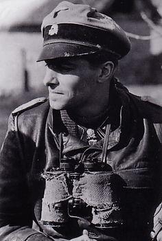 Unternehmen Wacht am Rhein 1944, Knight's Cross of the Iron Cross with Oak Leaves and Swords. Commons: Bundesarchiv.