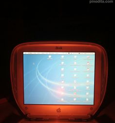 2000 iBook clamshell