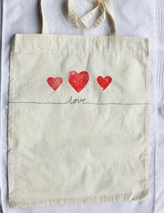 Love Tote Bag Lino Print Tote Bag Love Red par creatingtrouble, £9.00