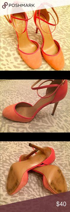 GORGEOUS Coral Suede BR Pump! Banana Republic coral suede pumps.  Stylish and comfortable.  Size 8M. Banana Republic Shoes Heels