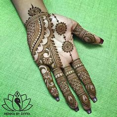 Mehndi henna designs are always searchable by Pakistani women and girls. Women, girls and also kids apply henna on their hands, feet and also on neck to look more gorgeous and traditional. Henna Hand Designs, Dulhan Mehndi Designs, Mehndi Designs Finger, Mehendi, Mehndi Designs For Girls, Mehndi Designs For Beginners, Modern Mehndi Designs, Mehndi Design Photos, Wedding Mehndi Designs