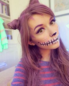 Easy Halloween Treats For School Cheshire Cat halloween makeup/costume . great idea for the hair<br> Cheshire Cat Halloween Costume, Cat Halloween Makeup, Diy Halloween Costumes, Halloween Carnival, Homemade Costumes, Costume Ideas, Carnival Hair, Cat Costume Makeup, Easy Disney Costumes