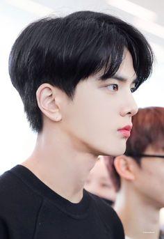 Korean Haircut Men, Asian Boy Haircuts, Korean Boy Hairstyle, Asian Haircut, Korean Short Hair, Haircuts For Men, Short Hair Cuts, Korean Hairstyles, Two Block Haircut