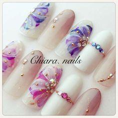 真冬でも満開のフラワーネイルのデザインをご紹介します。寒くても指先に咲く花を見て癒されてみませんか・ Japanese Nail Design, Japanese Nails, Luv Nails, Purple Nails, Nail Studio, Spring Nails, Nail Colors, Design Art, Nail Designs