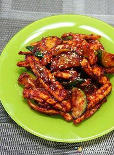 K Food, Korean Food, Food Plating, No Cook Meals, Tandoori Chicken, Chicken Wings, Spicy, Pork, Food And Drink