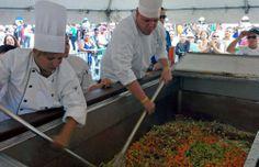 ¡Preparan el fricasé de pollo más grande de Puerto Rico!: http://www.sal.pr/?p=93841