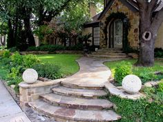 Using Feng Shui Tips for Garden Landscaping by brtty.king Using Feng Shui Tips for Garden Landscaping by brtty. Feng Shui Your Bedroom, How To Feng Shui Your Home, Trees For Front Yard, Front Path, Front Walkway, Front Entry, Feng Shui Garden, Garden Fence Art, Harmony Design