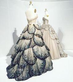 Juno and Venus dresses from Dior, Pretty Outfits, Pretty Dresses, Cool Outfits, Fashion Outfits, Beautiful Dresses, Vestidos Vintage, Vintage Dresses, Vintage Outfits, Vintage Clothing