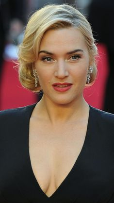 Kate Winslet with a 1930s 1940s hairstyle                                                                                                                                                                                 More