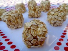 Low-fat Peanut Butter and Oat Balls!
