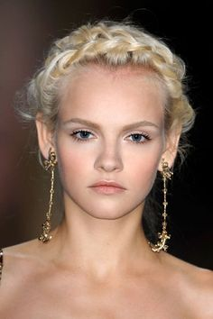 Holiday Inspiration: Classic Hairstyles with a Modern Twist